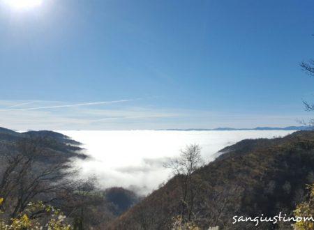 Live: cielo grigio in pianura, sole in montagna